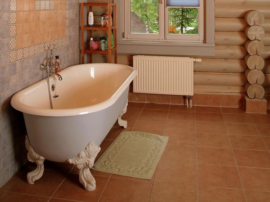 Ванная комната в частном доме: особенности прокладки 90
