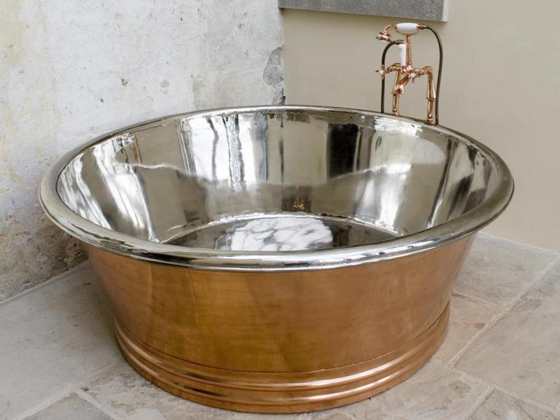 Вариант стальной ванны