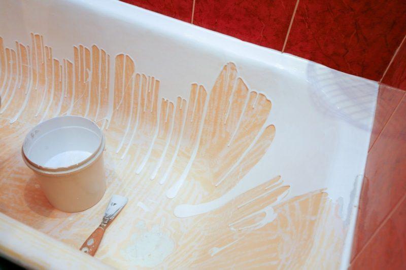 Клей на ванной