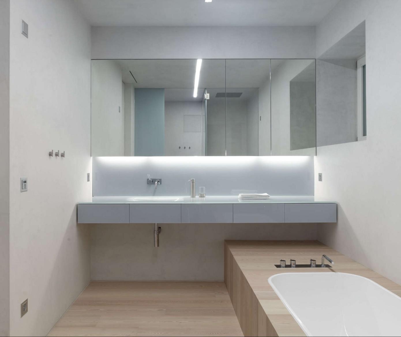 Хайтек в ванной комнате