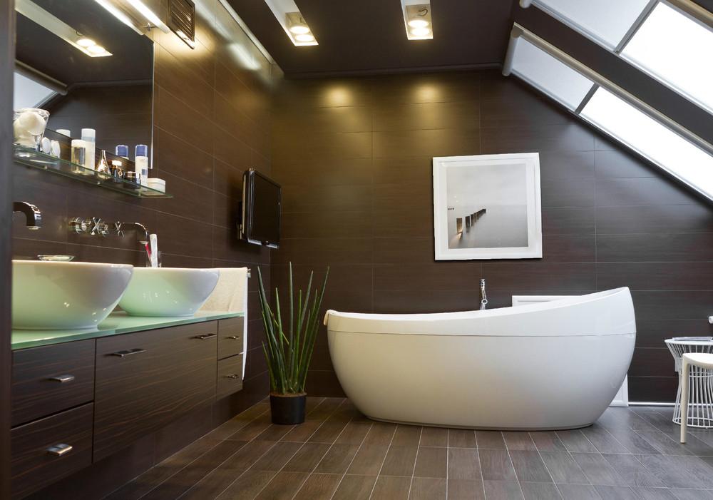 Мансардное окно в ванной